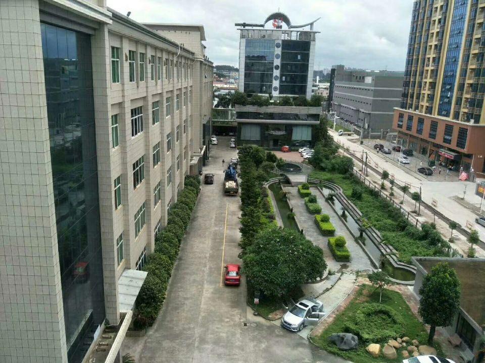 常平高新科技园内客户分租楼上3000平方精装修