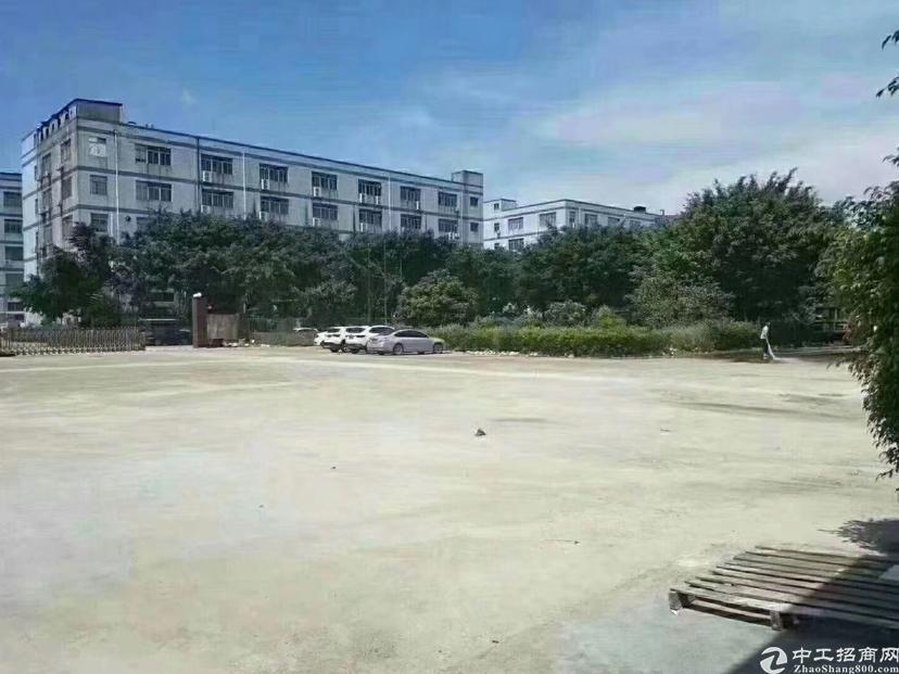 福永和平沿江高速出口一楼整层2200平物流仓库