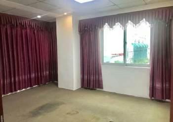 龙华油松220平方,5+1格局适合养生馆美容行业图片6