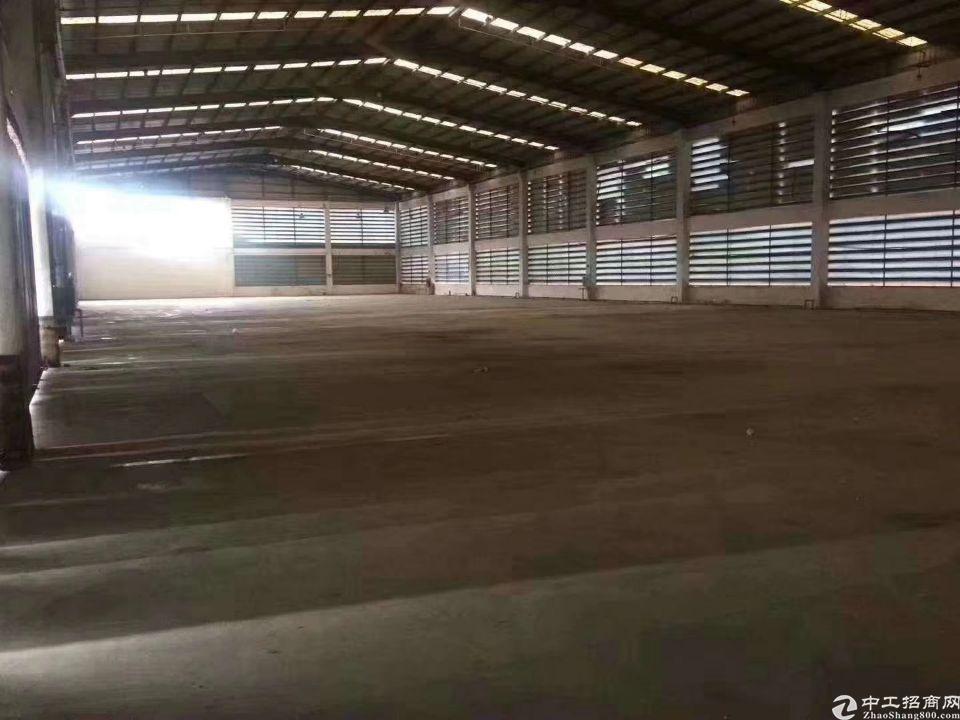 西乡独门独院物流仓库16000平米带卸货平台、带有宿舍和办公