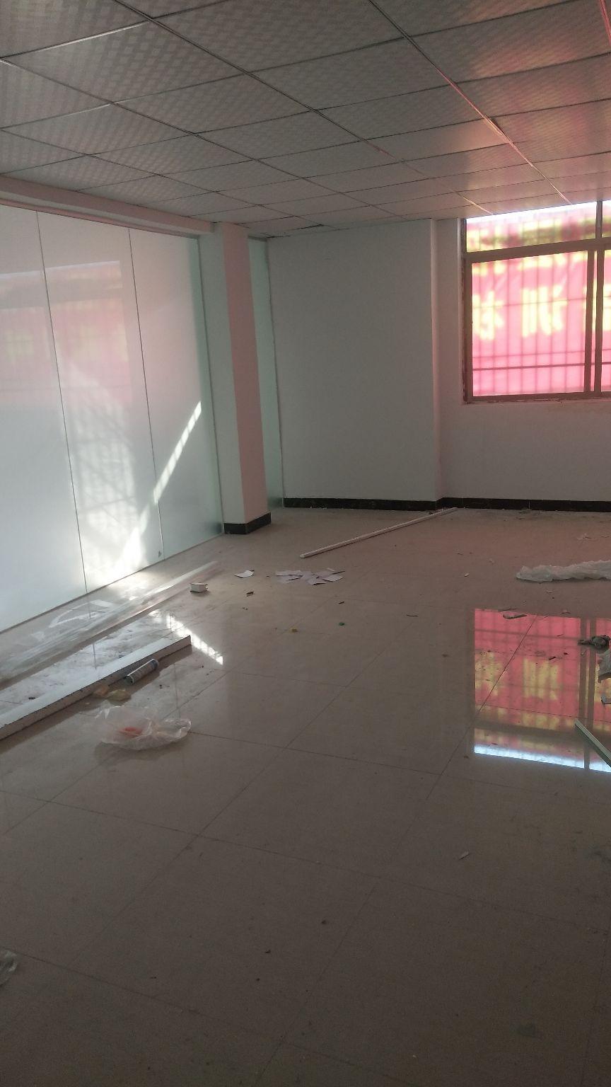 清溪新空出现成精装修厂房,可做培训室,办公室,小加工