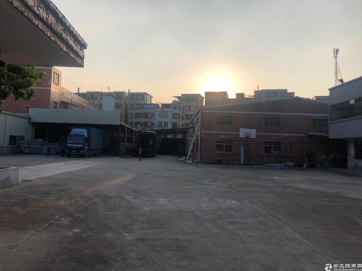 塘厦石鼓靠近牛湖收费站标准两层厂房出租2600平