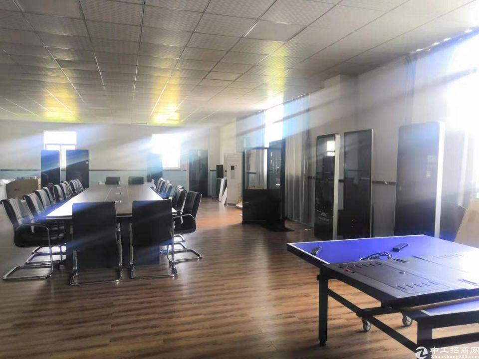松岗地铁口附近新出原房东4楼整层1300平带豪华装修办公室-图3