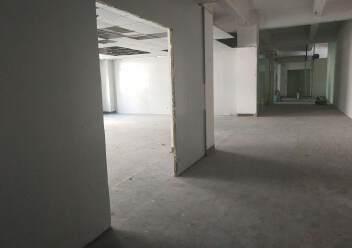 西乡黄麻布社区楼上新出400平厂房出租图片1