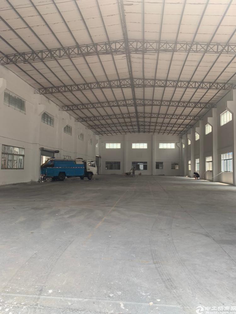 石排镇新出单一层独门独院工业厂房5700²招租