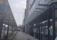 荔湾区芳村地铁站B1出口白鹅潭三江聚财源落地玻璃外墙171平