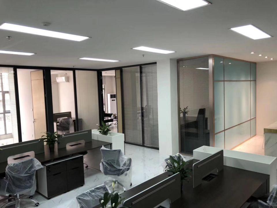 西乡鹤洲洲石精装厂房出租700平米