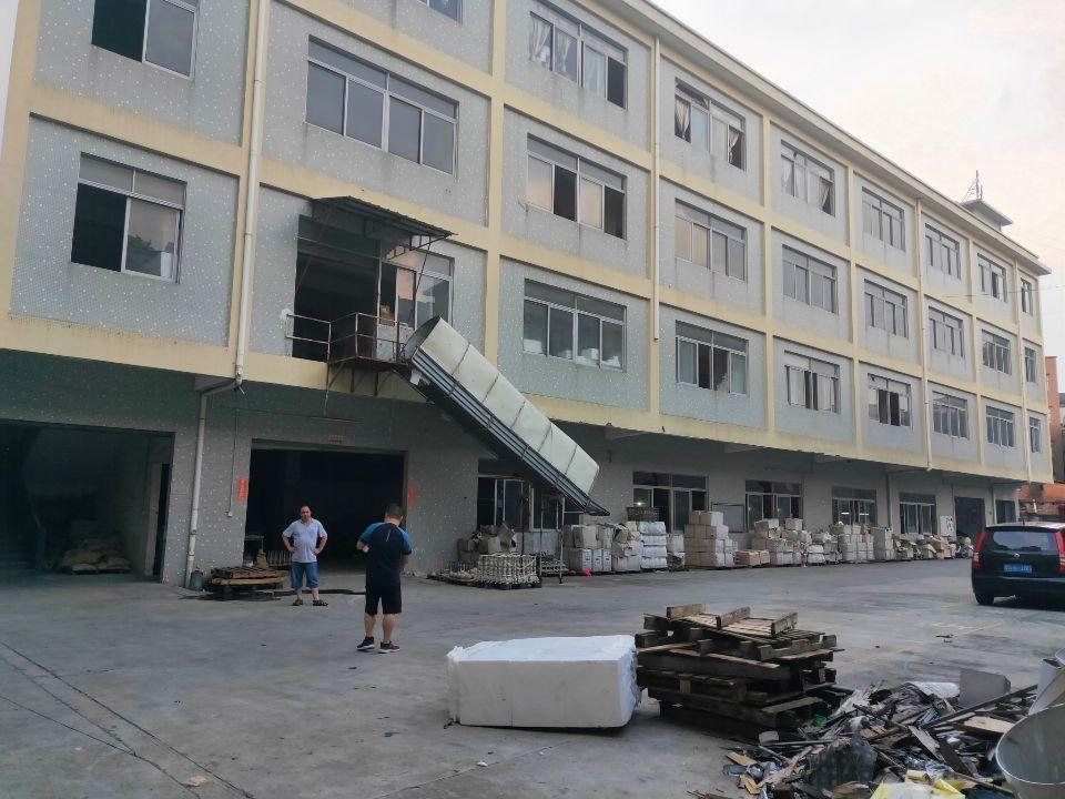 万江出租楼上实际面积厂房1350平,有装修,通风采光好有院子