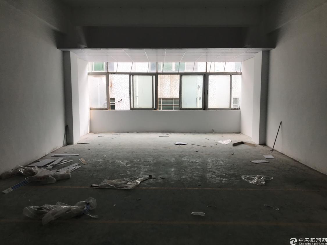 福永凤凰新出400平标准厂房带装修无需转让费面积实在交通便利