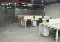 观澜豪华装修写字楼212平带办公家具