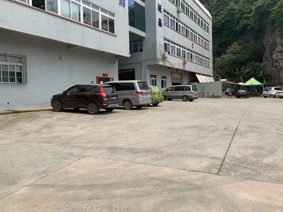 黄埔区科学城工业区新出楼上带装修标准厂房270平出租、证件齐