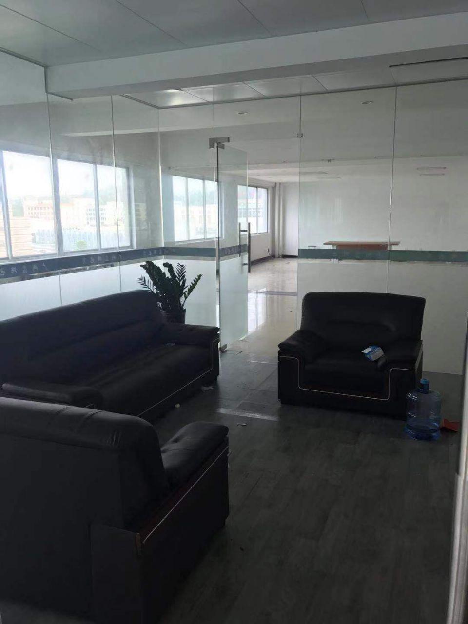钟村工业园756方可分,带装修,办公,展厅,电商,仓库