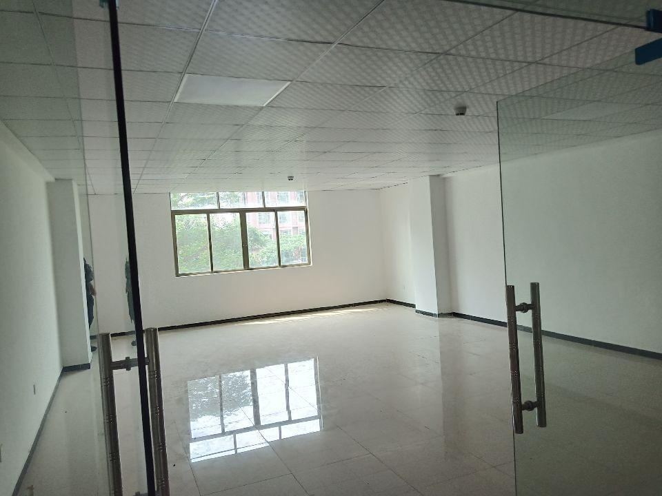长安锦厦万科附近2楼500平方精装修厂房出租水电齐全