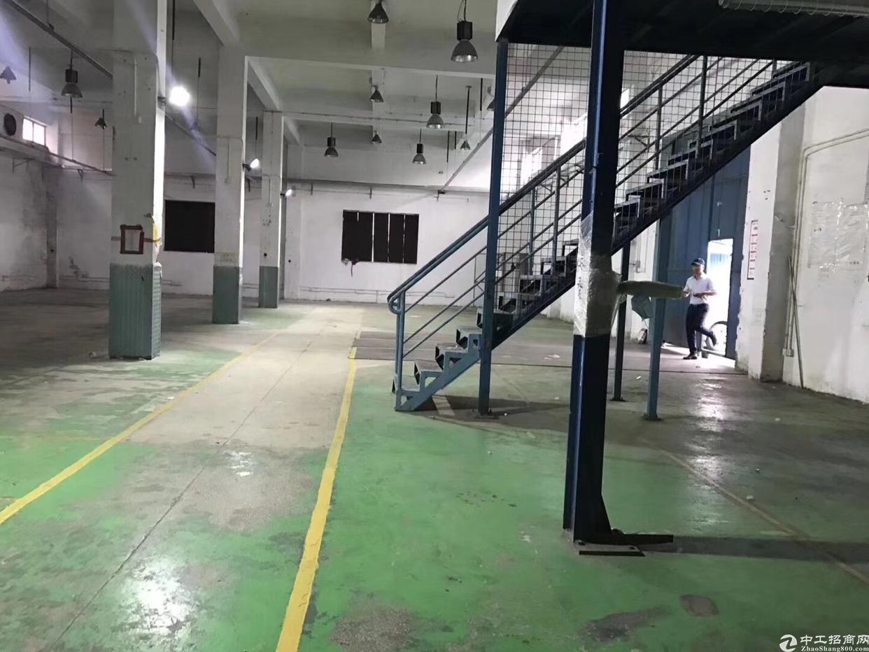布吉丹竹头地铁站100米独栋800平方一楼厂房带阁楼