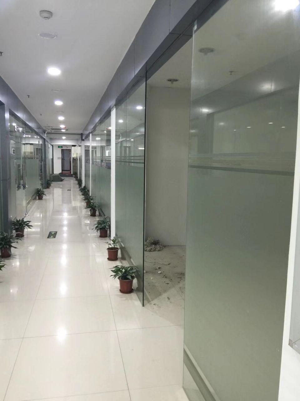 龙岗周边地铁口附近新出100-500平电商办公仓库带装修