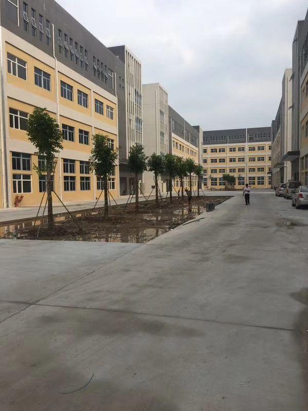 宝安全新厂房出租仓库出租30000平方大小分租,500起分。