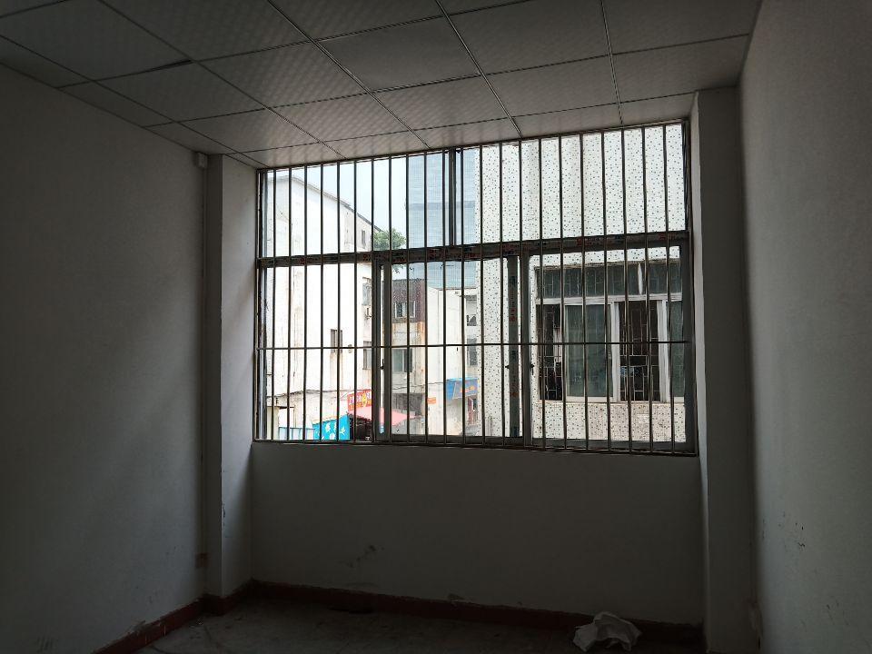 长安锦厦万科附近3楼400平方带装修厂房出租