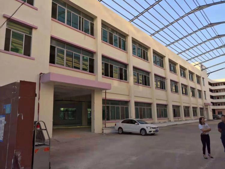 独院厂房三层6200平方;宿舍五层2600平方
