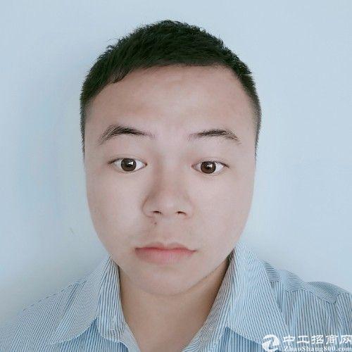 厂房经纪人梁智刚