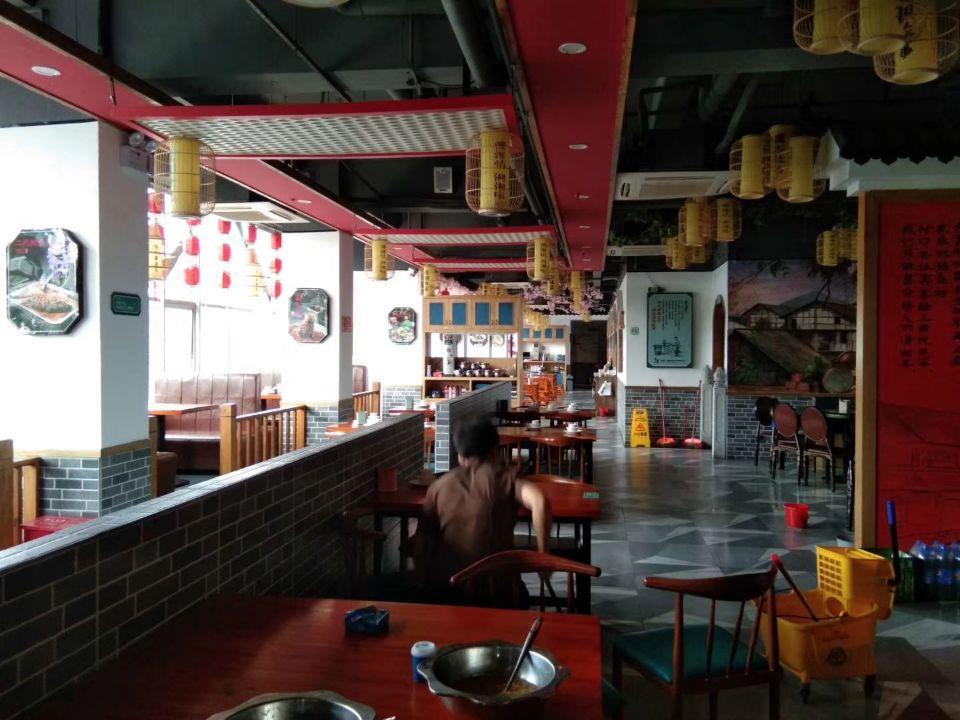 清湖牌坊旁商业街湘菜馆转让1楼136二楼760平招租