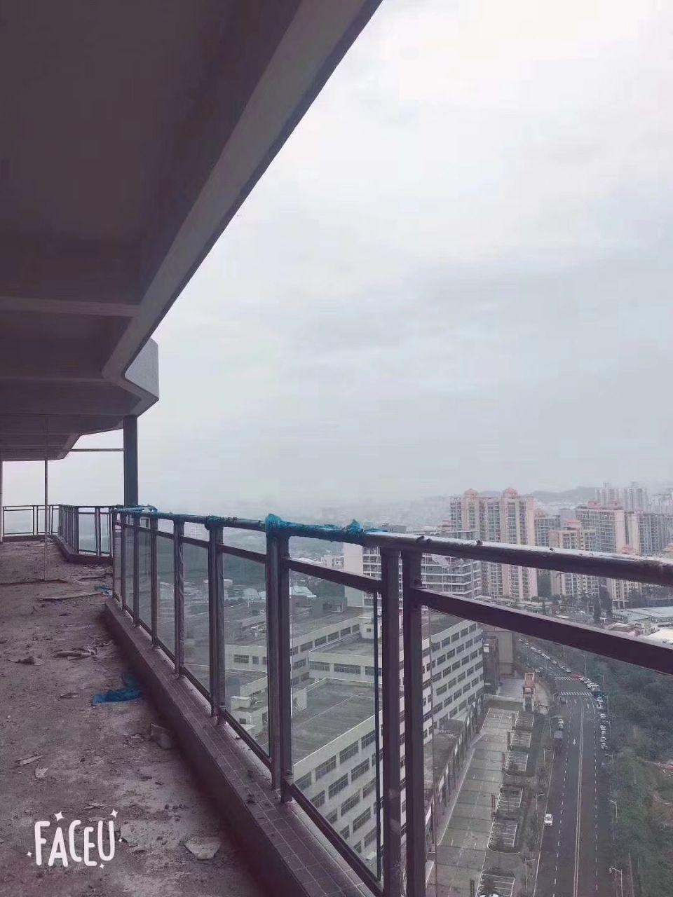 买小面积厂房的福音!送天台!深圳周边楼上379平厂房出售