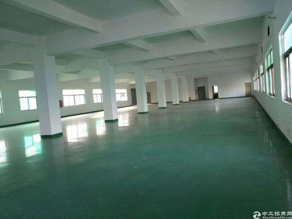 长安镇沿江高速出口新出三楼2000平招租