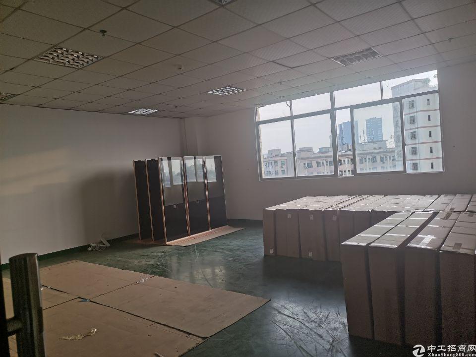 沙井新桥高速出口附近新出楼上1002平米带装修厂房出租