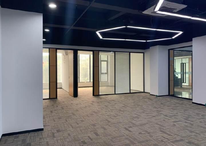 福永同泰时代广场105平方写字楼精装修有空调图片2