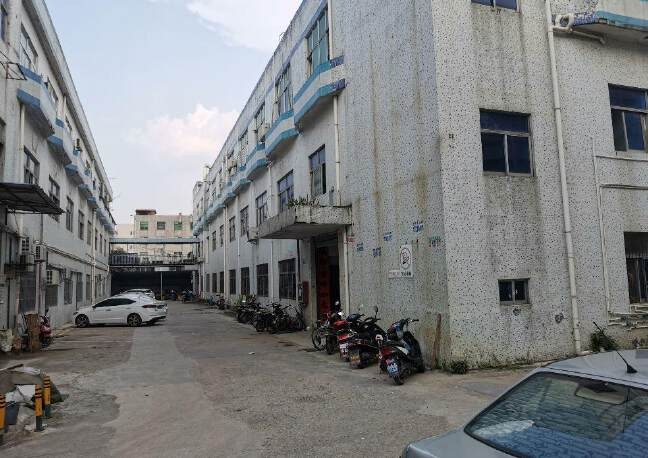 深圳光明新区塘尾社区新出原房东一楼标准厂房