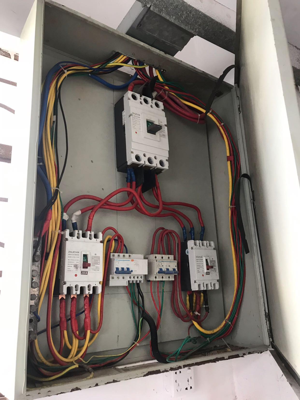 清溪大利村新出标准二楼700带现成水电装修,有隔好办公室