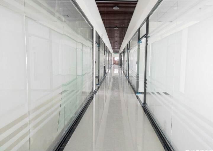 广东佛山高速路口12000平米精装修写字楼出售图片3