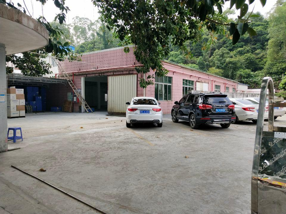 比亚迪旁边,原房东出租一楼仓库1000平方