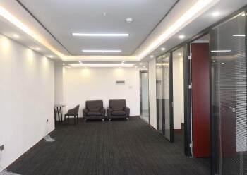 龙华清湖地铁口,甲级写字楼精装149平图片2