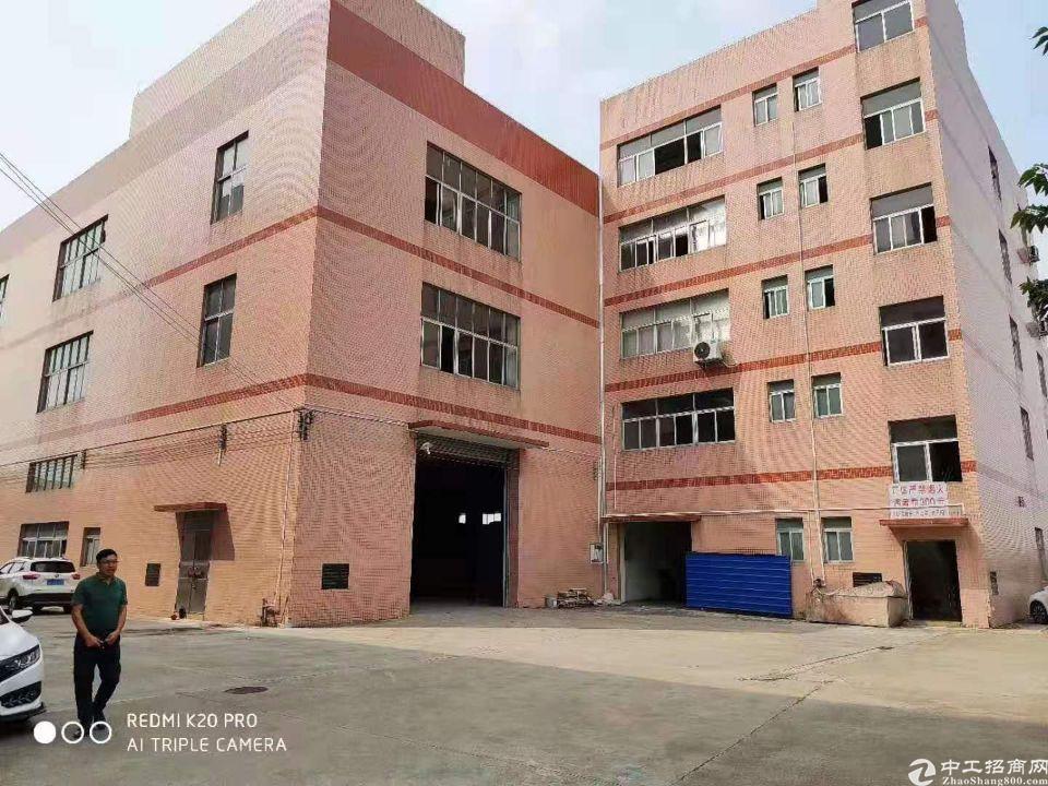 天河吉山标准厂房3000方金刚砂地面可分租