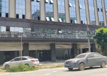 石湾镇现成装修写字楼50平方起分租,只租18元图片2