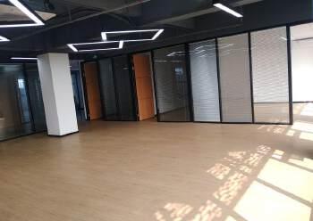 福永地铁口豪华装修313平可配办公家私图片1