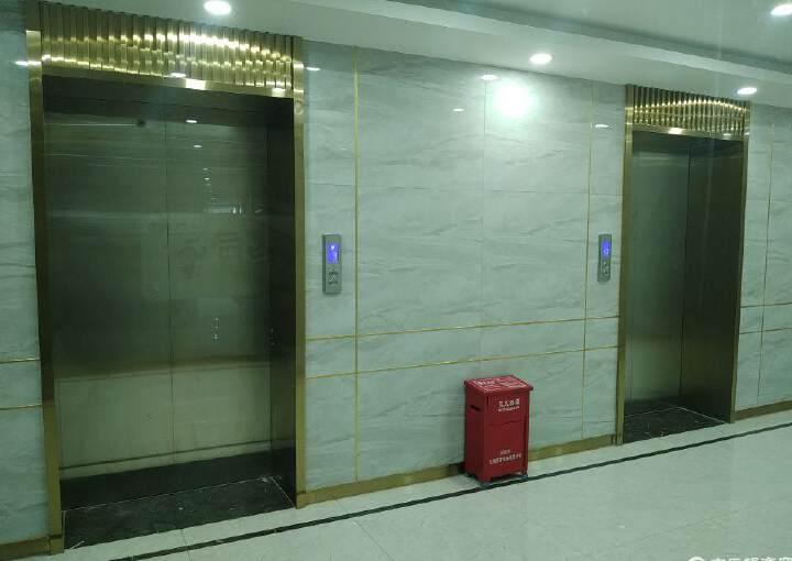 福永地铁口豪华装修313平可配办公家私图片2