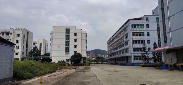 惠阳三和独院厂房2楼2350平,有红本,现成水电带装修