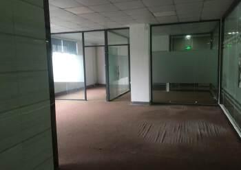 坂田布龙路地铁口写字楼185平图片1