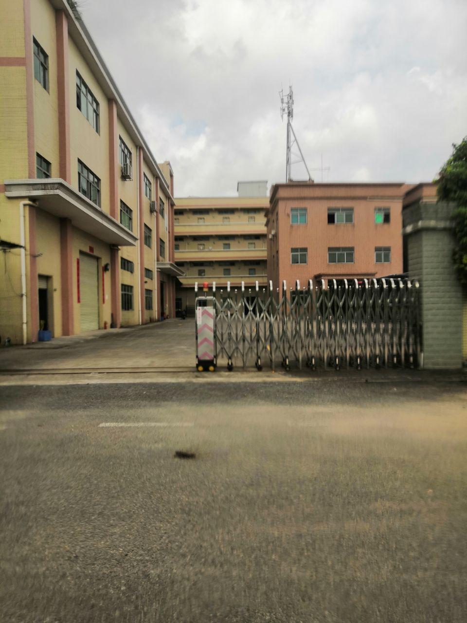 黄江星光村工业园分租二楼一层1000平米带现成装修厂房招租