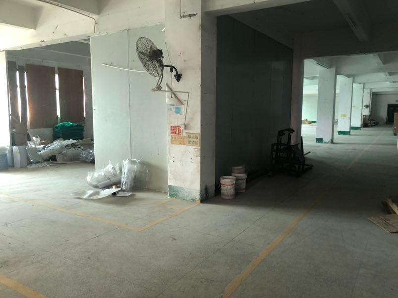 平湖富民工业区标准厂1400平出租有办公室