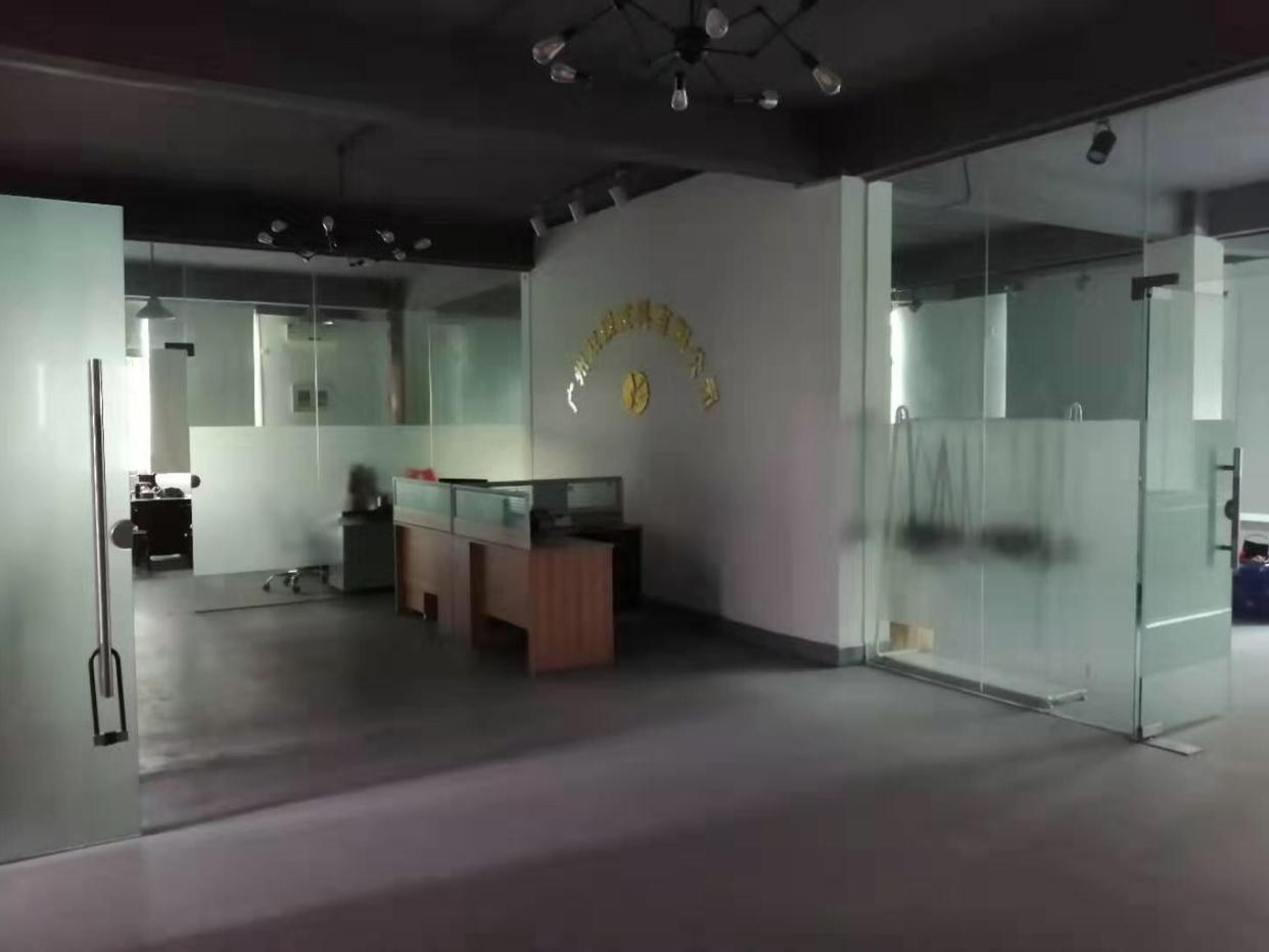 花都狮岭益群村出租独门独院厂房5000平米,拥有超大空地