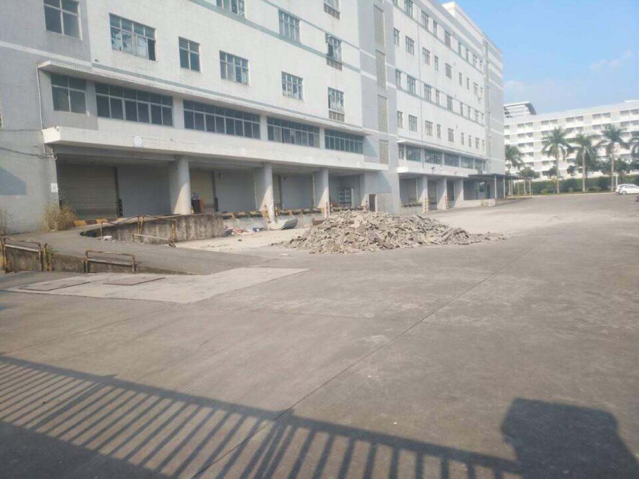 东莞靠近深圳高速出口3万平米仓库