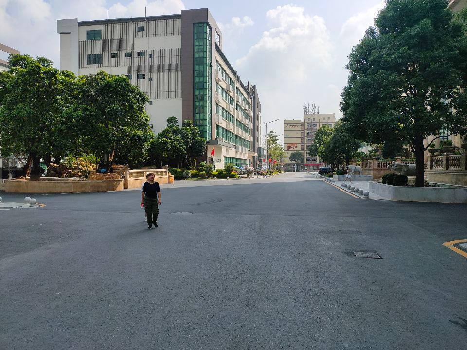 龙华大浪工业园精装修仓库厂房出租2500平面积可分租