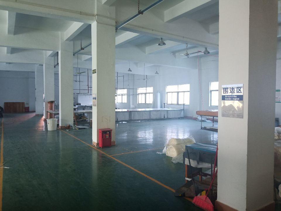 东莞新出楼上现成装修,配套齐全,周围人气旺,易招工,形象好,