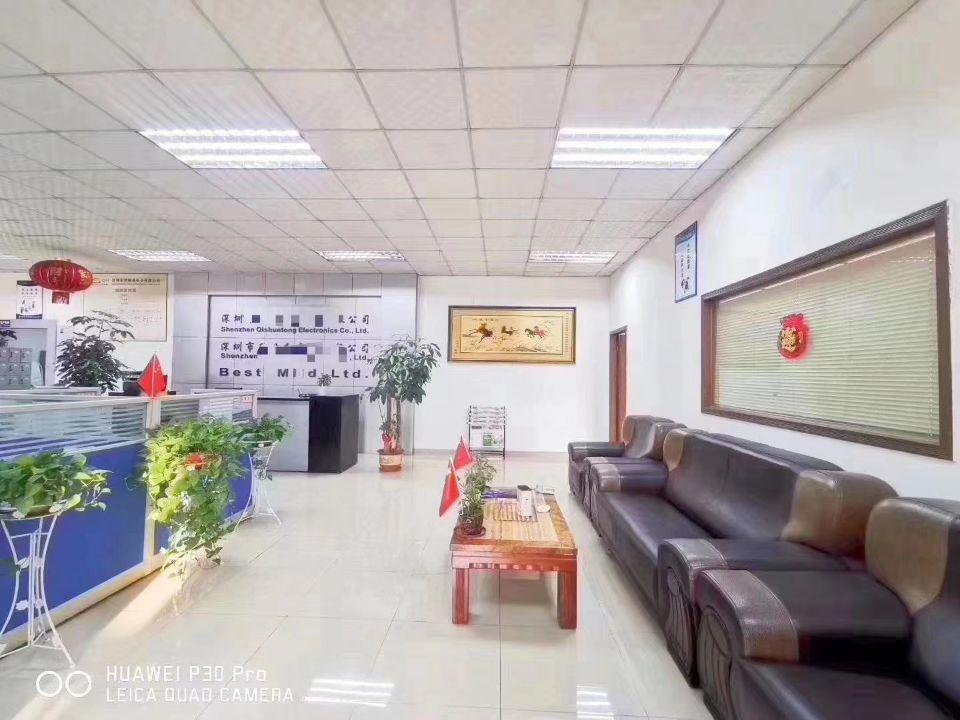 谢岗镇银湖工业区新出现成带装修标准厂房三楼1800平方出租