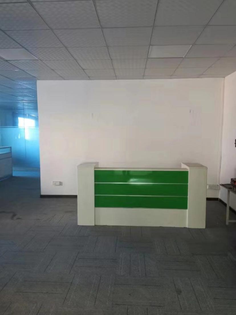 西乡固戍精装厂房2000平带装修