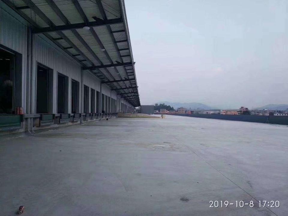 观澜新田大型物流仓出租,丙二类消防,两边货台1.5米高