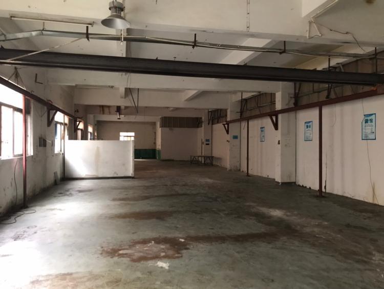 凤岗永盛路一楼800平带航车出租