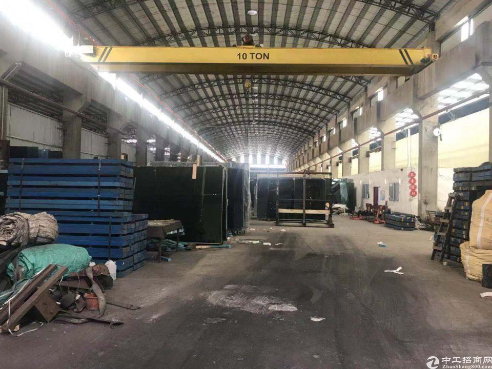 东城街道带现成10吨航车仓库3400平方